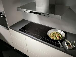 cocina-con-placa-de-induccion-aeg